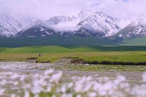 新疆不只有棉花,还有美丽壮阔的风景的说说