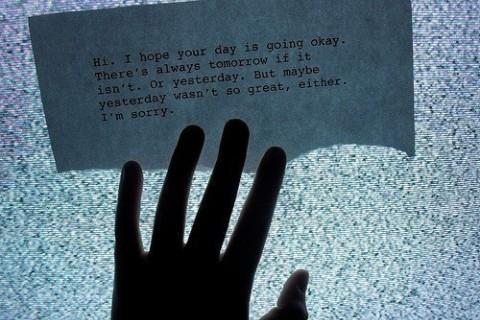 让人瞬间崩溃的文案,让人情绪崩溃的扎心句子