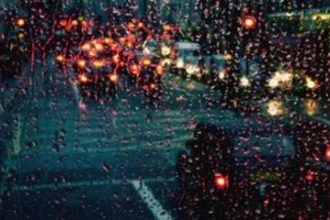 关于下雨天各种纠结复杂的心情说说