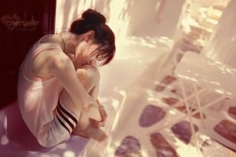 深夜失眠睡不着的睡觉说说,眼中总是会不经意的流起泪水